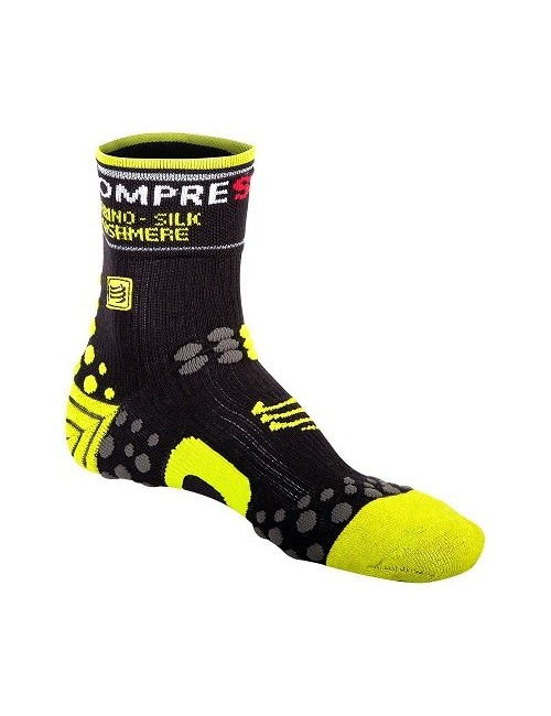 MEIAS COMPRESSPORT WINTER BIKE SOCKS - T2 PRETO/VERDE